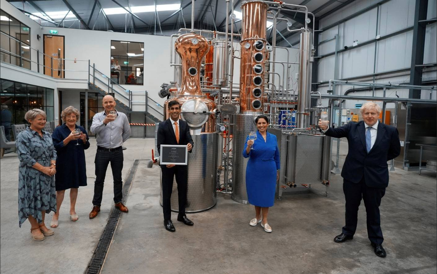 Official opening of Masons new distillery with the Ryebeck-supplied Kothe stills